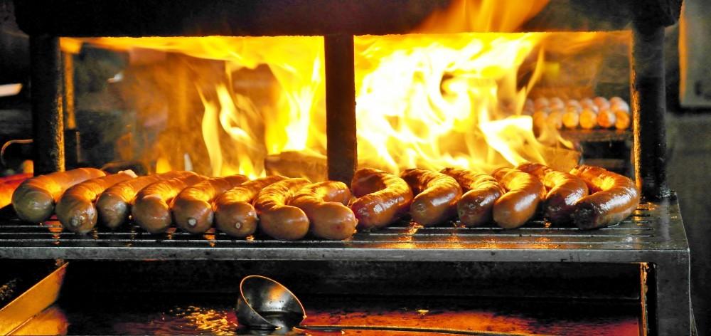Spanish Idioms, #1: Poner Toda la Carne en el Asador